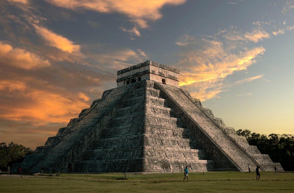 Para ir Chichén Itzá usa la renta de servicios turísticos